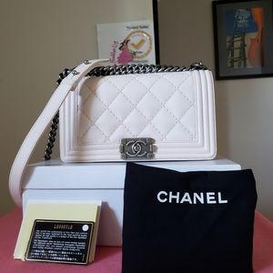 Chanel boy old medium light pink calfskin bag